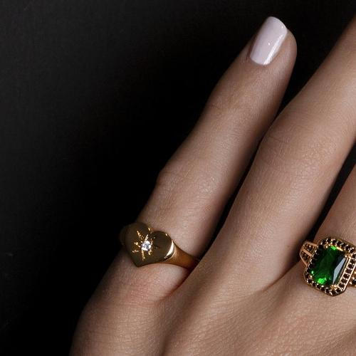 5859Ring_cherie_signet_heart_clear