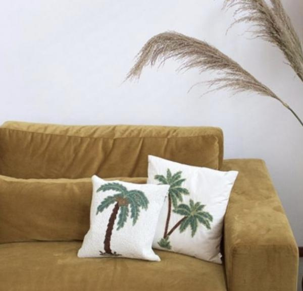 7774Palmtree_beads_cushion